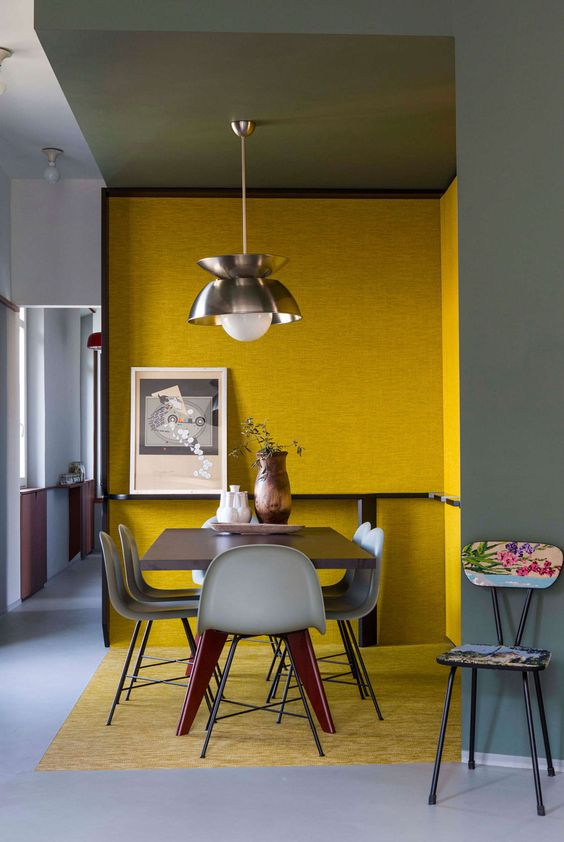 Delineare uno spazio della casa utilizzando il colore