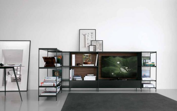 come-dividere-gli-ambienti-con-una-libreria-freestanding-salotto