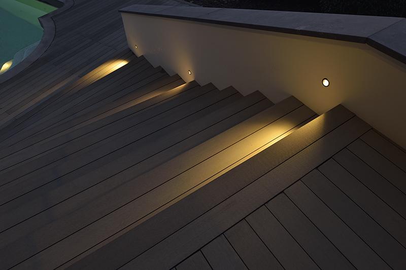 Pavimento-per-esteni-dettaglio-notturno-luce